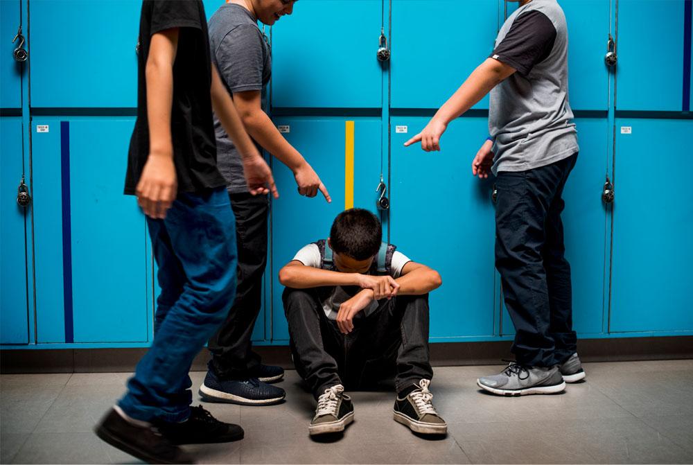 San Fernando, California: Cậu bé gốc Á 16 tuổi bị bạn bè đánh đập vì Virus Corona